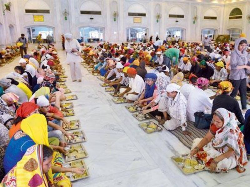 Langar at Gurudwara Bangla Sahib