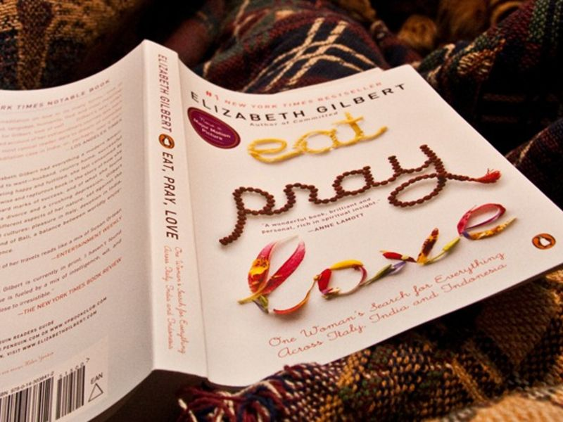 Eat, Pray, Love - 10 Books That You Have To Read While You Are Traveling In India.