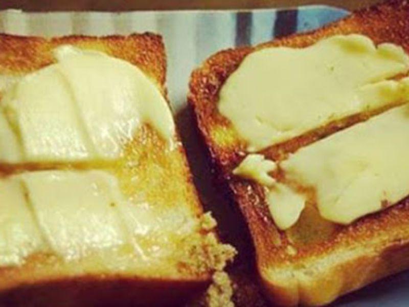Safed Makhan Toast