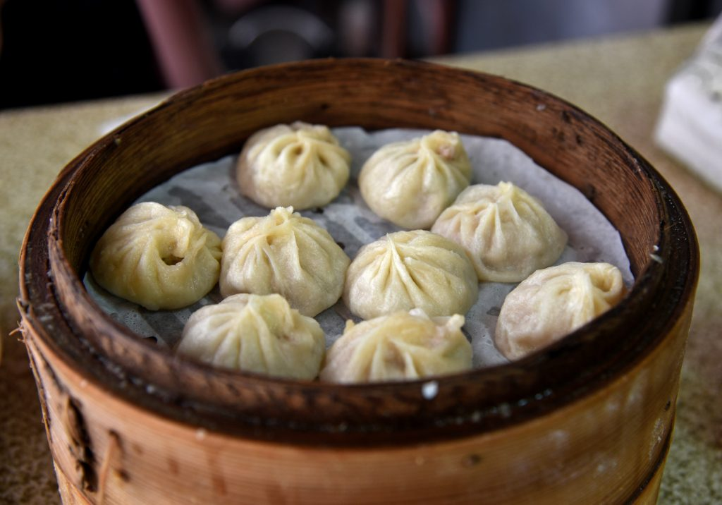 momos, food in Leh